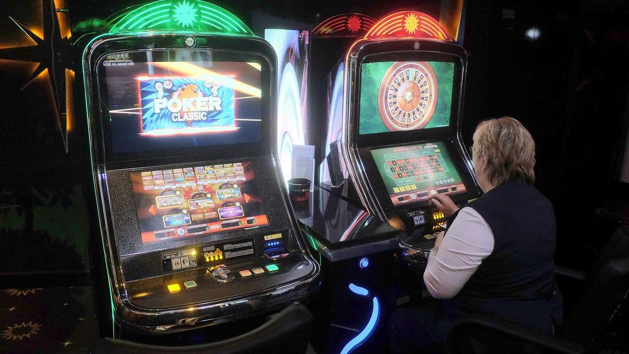 Zweier Automaten nebeneinander - 5131